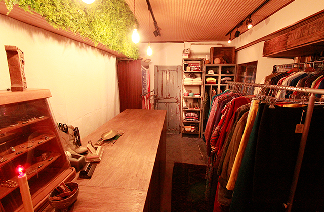 写真:Ecle. Vintage Used Clothing & Antiques